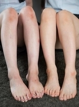 Mai Araki and Yui Kawagoe show off their feet and give a guy a great footjob
